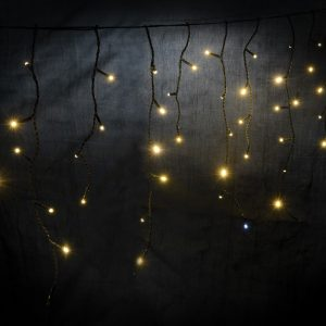 Icicle-Inspired LED Outdoor String Lights with Twinkle Effect